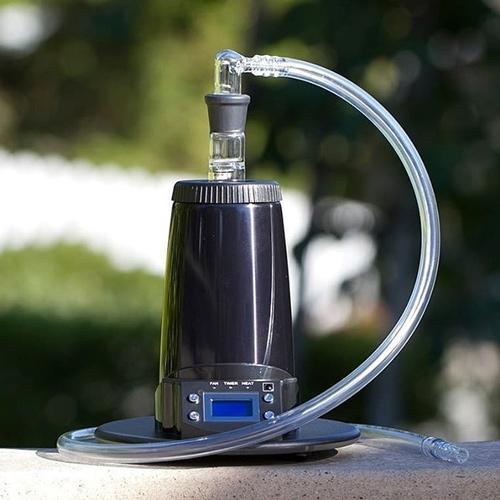 """Arizer Extreme Q moćan je stolni vaporizer koji možete koristiti s """"bičem"""" i balonom"""